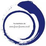 渦を巻いた円形の藍色の毛筆フレーム・枠