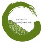 青海波の模様が入った緑色の毛筆・円形フレーム
